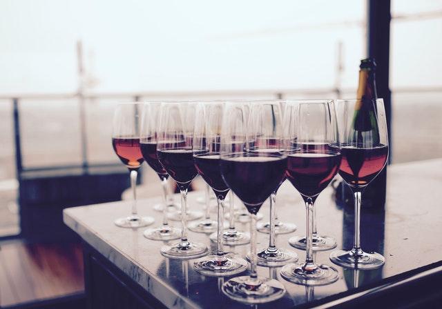 Как правильно дегустировать вино
